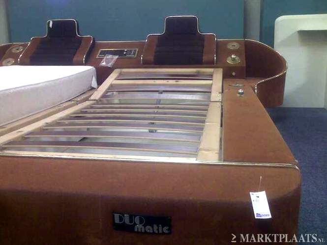 Make Up Kast : Retro space age bed met radio en make up kast gevonden op marktplaats