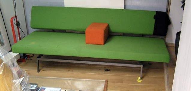 Design Slaapbank Gijs Van Der Sluis 540.Gijs Van Der Sluis 540 Zit Slaapbank Met Losse Armsteun Gevonden